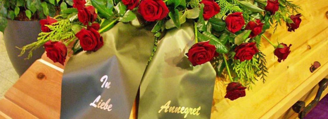 Sargbouquet mittel – Variante 1 Aufpreis 80,- €
